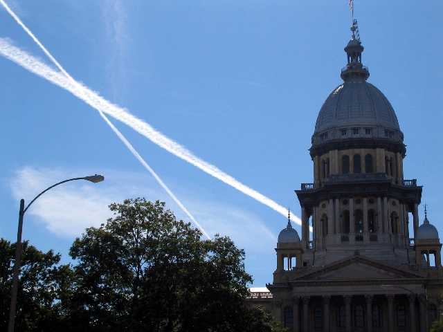 statehouse_contrails.jpg