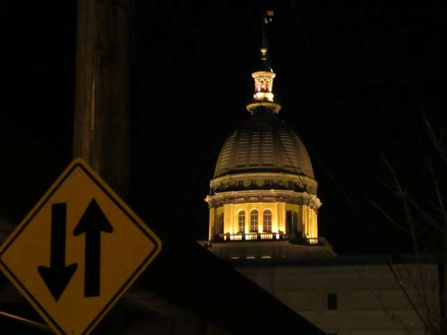 Statehouse-dome-two-way-IMG_3259.JPG