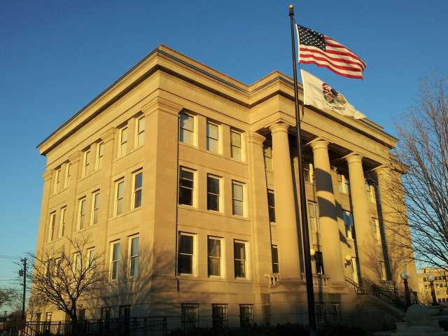 appellate-courthouse-blue-sky-20131128_160201.jpg