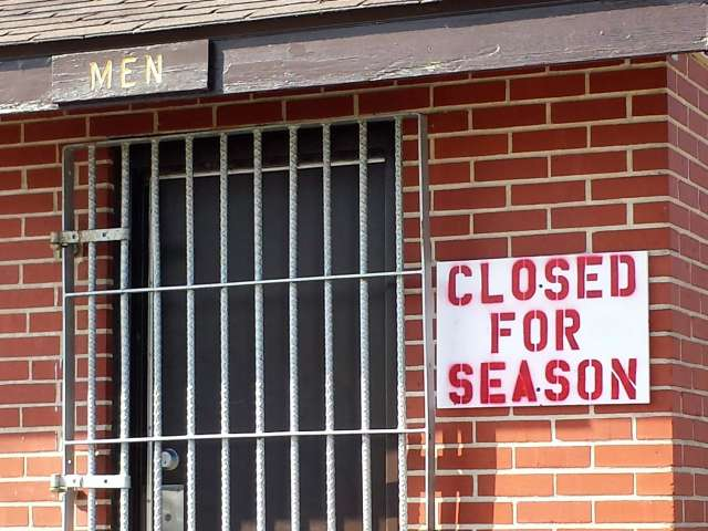 closed-for-season-20140309_113900.jpg