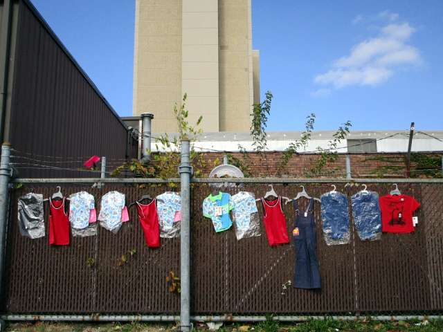 clothes-on-fence-IMG_1057.JPG