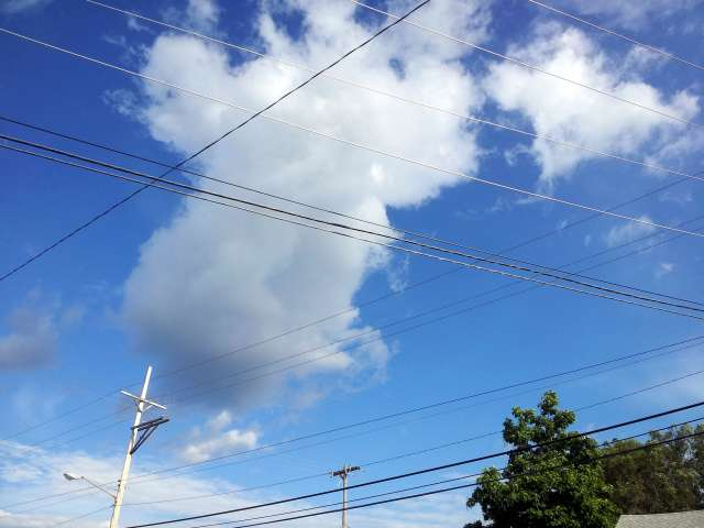 clouds-wires-20130630_174342.jpg