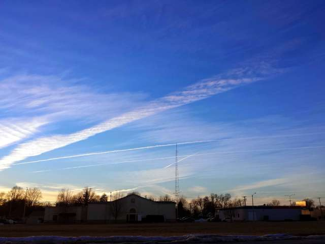 contrails-20140125_164442.jpg