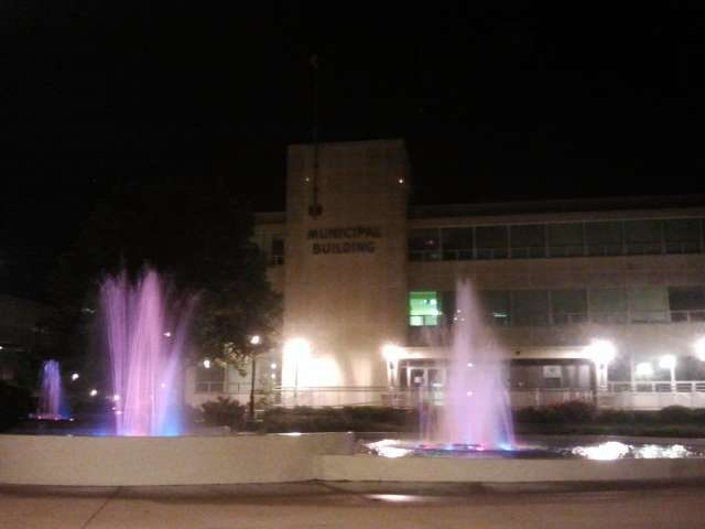fountains-at-night-2012-04-26.jpg