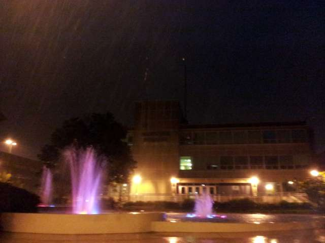 municipal-fountains-rain-20130520_211637.jpg