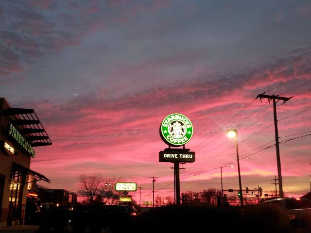 starbucks-sunrise-20121206_065004.jpg
