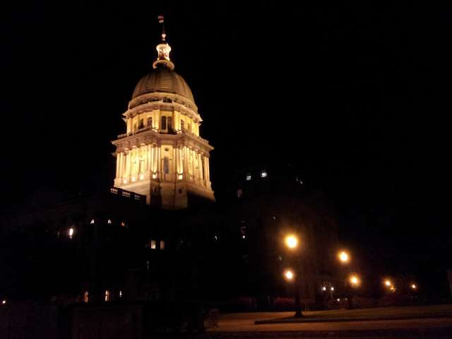statehouse-at-night-20130927_200124.jpg