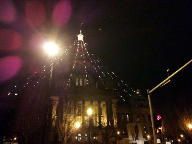 statehouse-with-lights-20130105_203235.jpg