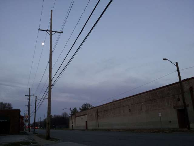 sunrise-ash-street-with-moon-20131120_064755.jpg