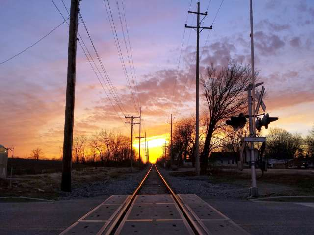 sunset-railroad-tracks-20140316_190547.jpg